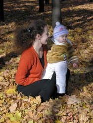 baby-and-mom-fall