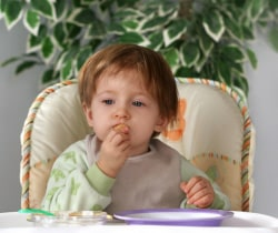 baby-eating-table-foods