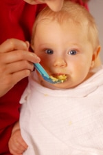 Post image for Ask the Dietitian: Can My Baby Have Raw Fruit?