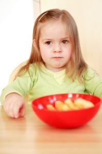 The Annoying Kids Eating Habit Parents Should Adopt