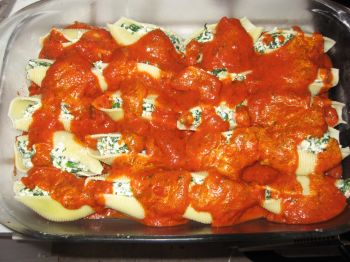 Spinach and Ricotta Stuffed Shells [Recipe]