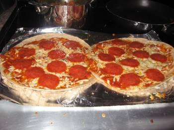 Tortilla Pepperoni Pizzas [Recipe]