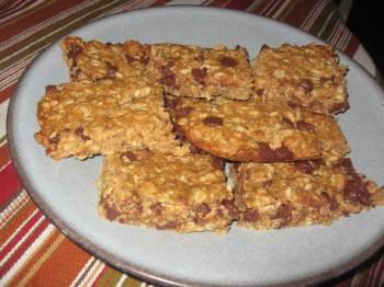Easy Homemade Granola Bars [Recipe]