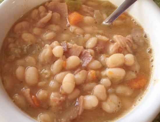 Slow Cooker Ham and White Bean Soup [Recipe]