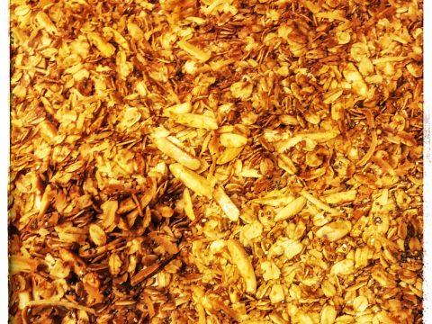 Easy Homemade Granola [Recipe]