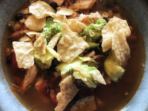 Instant Pot Chicken Tortilla Soup [Recipe]